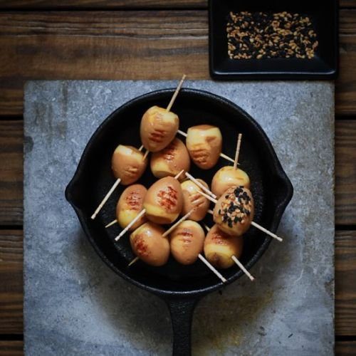 Soy grilled quail eggs