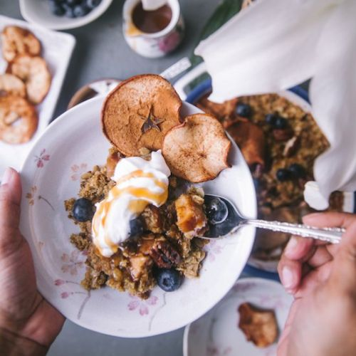 Apple Oats Crumble and Apple Chips