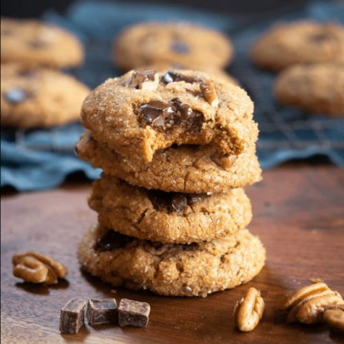 Chocolate Chunk Molasses Cookies