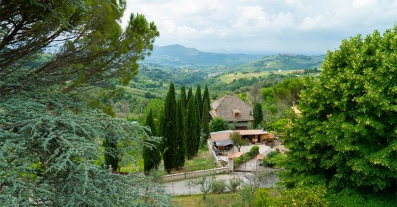 Here's Everything to Discover in Italy's Lugana Region