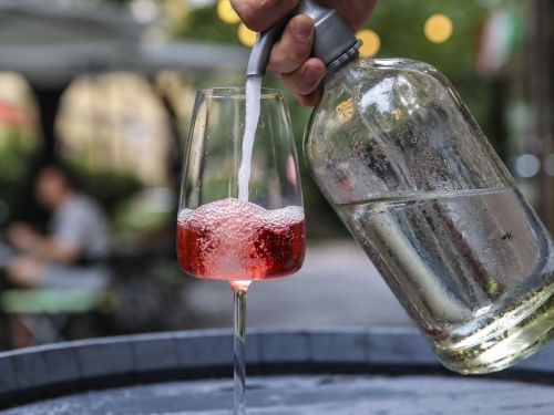 The Fizzy Fröccs Will Make You Rethink the Wine Spritzer