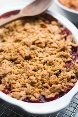 Plum and Rhubarb Crisp