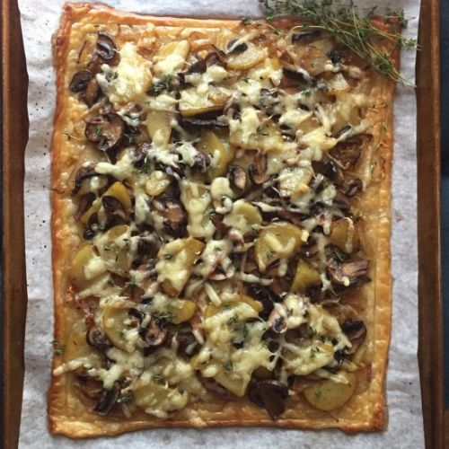 Easy Tart with Caramelized Onions