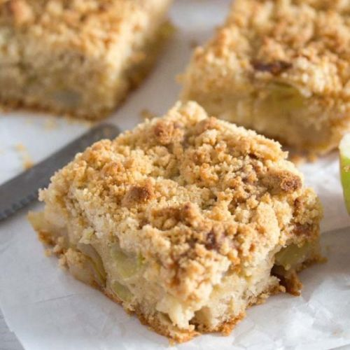Apple Crumble Cake with Sour Cream