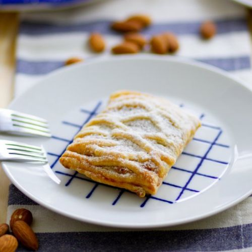 Puff pastry with almond cream