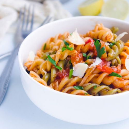 One Pot Spicy Tomato Pasta