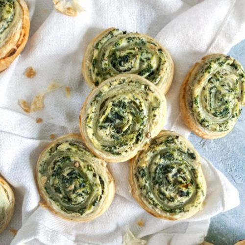 Spinach and artichoke puff pastrys