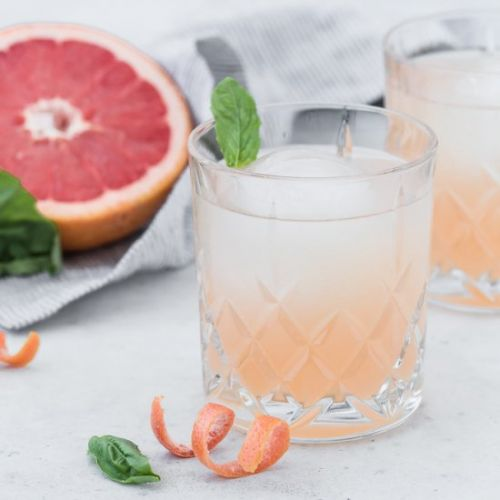 Grapefruit and Elderflower Cocktail